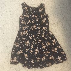 Forever 21 navy with pale pink flower romper Forever 21 navy with pale pink flower romper, button up size medium Forever 21 Other