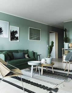 Green interior trend: try these 4 new greens in 2020 / green wall paint, dark green wall decor and green interior inspirations on ITALIANBARK Living Room Green, Room Decor, House Interior, Green Rooms, Interior Trend, Decor Inspiration, Green Painted Walls, Home, Room