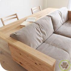 Siempre hay nuevas formas de hacer las cosas, mira este sillón con mesa incluida.... http://muebleando.com/content/un-sofá-con-sillón-incorporado