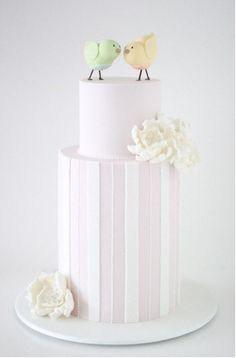 Such a cute idea for the newest #love birds in town! For more inspiration, visit prestonbailey.com.