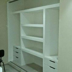 Armário Drywall, Wooden Cabinets, Diy Home Decor, My Design, Bookcase, Home Improvement, Shelves, Closets, Portugal