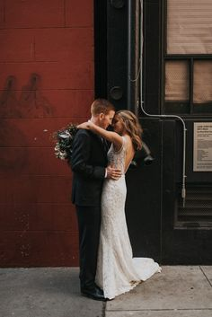 Super Chic Black and White Downtown Wedding at The Pearl SF | Junebug Weddings