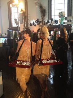 the great gatsby wedding inspiration | reception ideas | flappers to pass Hors d'oeuvres |
