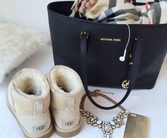 Best uggs black friday sale from our store online.Cheap ugg black friday sale with top quality.New Ugg boots outlet sale with clearance price. Michael Kors Clutch, Outlet Michael Kors, Michael Kors Selma, Handbags Michael Kors, Michael Kors Jet Set, Mk Handbags, Cheap Handbags, Fashion Handbags, Designer Handbags