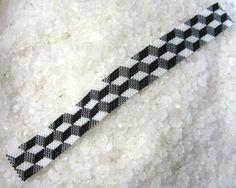 Coolest bracelet EVER! 3D Illusion 2. Brick or Peyote stitch