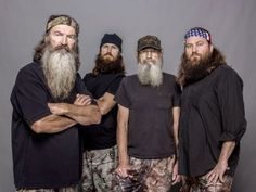 did you know Phil was a great college quarterback? he was the starter on the same team as Terry bradshaw. he was to be drafted into the nfl and decided that having a family and being a family man was his higher purpose. uncle si has been married to the same gal forever. family men  are sexy!