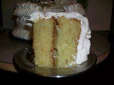 Dominican Cake Recipe, Dominican Food, Dominican Recipes, Puerto Rican Cake Recipe, Comida Boricua, Boricua Recipes, Hispanic Dishes, Puerto Rico Food, Cake Recipes