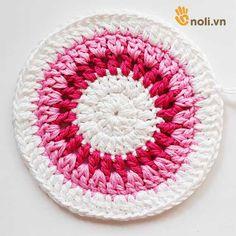 Chart móc túi dâu tây ngọt ngào đốn tim chị em chúng mình Crochet Handbags, Charts, Projects To Try, Crochet Hats, Blanket, Crochet Purses, Craft, Templates, Bags
