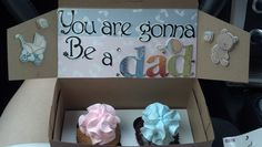 How to tell your hubby you're having a baby! This cupcake surprise baby announcement is my favorite memory. Baby Surprise Announcement, Creative Pregnancy Announcement, Pregnancy Announcement To Husband, Surprise Pregnancy, Surprise Baby, Pregnancy Announcements, Pregnancy Test, Second Pregnancy, Pregnancy Gifts