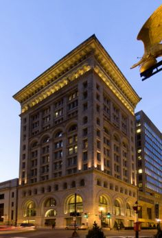 The fascinating Ames Hotel in downtown Boston! #ameshotel #boston #luxury