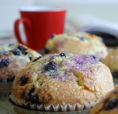 There's something unusually fun about making enormous muffins. I don't know what it is, exactly, but the very lack of delicacy is curiously . Jumbo Blueberry Muffin Recipe, Homemade Blueberry Muffins, Muffin Recipes, Brunch Recipes, Blue Berry Muffins, Desert Recipes, Sweet Bread, Yummy Snacks, Cupcake Cakes