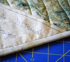 The label once the binding has been sewn on Quilt Labels, Fabric Labels, Labels For Quilts, Quilting Tools, Quilting Ideas, Sewing Labels, How To Make Labels, Prayer Flags, Lap Quilts