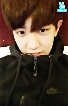 V App 160109 : Chanyeol and his hair (3/4)