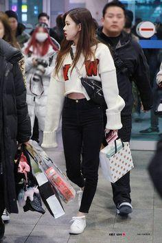 Female k-pop idol daily winter fashion compilation Fashion Idol, Blackpink Fashion, Fashion Outfits, Kpop Outfits, Girl Outfits, Kpop Mode, 168, Korean Fashion Kpop, Jennie Blackpink