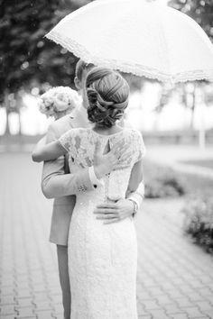 Romantic rainy day wedding portraits   Anastasiya Belik Photography   see more on: http://burnettsboards.com/2014/04/romantic-rainy-day-wedding-portraits/ #romantic