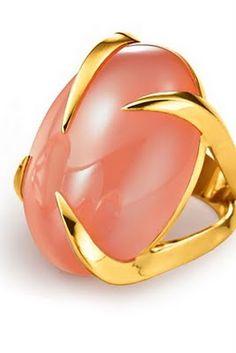 Tito Pedrini Artigli Oval Ring in Peach Moonstone