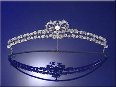 However, when Prince Johannes died in 1990, his mother's tiara was one of the pieces that was subsequently auctioned by Sotheby's..