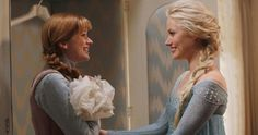 'Frozen' Characters Elsa and Anna Reunite in 'Once Upon a Time' Photo -- ABC's 'Once Upon a Time' Season 4 kicks off September 28th, featuring Georgina Haig as Queen Elsa and Elizabeth Lail as Anna from Disney's 'Frozen'. -- http://www.movieweb.com/news/frozen-characters-elsa-and-anna-reunite-in-once-upon-a-time-photo