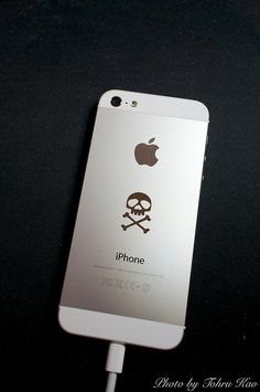 Space Pirate Captain Harlock iPhone 5 by Tohru にゃん, via Flickr