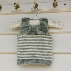 A very easy vest pattern. for babies and children. No tricky construction elements. An ideal pattern for the beginner knitter. Only 2 stitches used - stocking stitch and garter stitch. Two simple buttonholes on one shoulder for easy access.