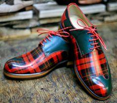 Not a kilt, but I couldn't resist. Tartan Shoes, Tartan Pants, Tartan Plaid, Scottish Kilts, Scottish Tartans, Scottish Plaid, Tartan Fashion, Mens Fashion, Tartan Mode