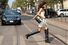 ya know she means business with those boots. #ChiaraTotire in Milan.