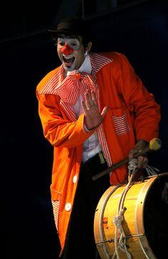 Pistolinha, the clown Clown Cirque, Circus Clown, Circus Theme, Pierrot Clown, Send In The Clowns, Circus Performers, Clowning Around, Evil Clowns, Creepy Clown