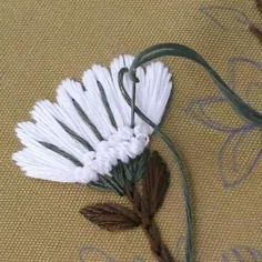 Hand Embroidery Patterns Flowers, Hand Embroidery Projects, Hand Embroidery Videos, Embroidery Stitches Tutorial, Embroidery Flowers Pattern, Creative Embroidery, Simple Embroidery, Hand Embroidery Designs, Crochet