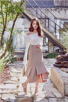 Dunno Me Skirt