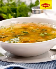 Benefits of Chicken Broth Benefits Of Chicken, Tapas, Feel Good Food, How To Eat Less, Vegan Foods, Baby Food Recipes, Cheeseburger Chowder, Curry, Healthy Eating