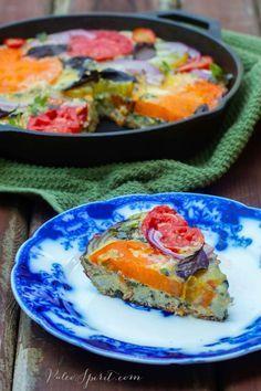 paleo breakfast recipe - tomato, bacon basil frittata