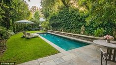 Jessica Simpson - The garden also contains a romantic looking swimming pool