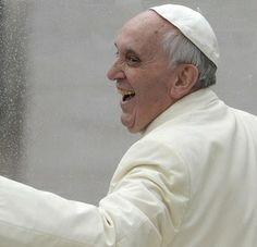 Папа Римский Франциск назвал интернет божьим даром и воплощением подлинного добра. Соответствующее заявление было сделано Папой в послании к пастве по случаю Всемирного дня социальных коммуникаций (World Day for Social Communications)...