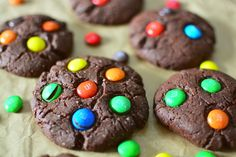 Cookies cu cacao si M&M's Chocolate Cookies, Sweet Tooth, Desserts, Blog, Recipes, Tailgate Desserts, Deserts, Chocolate Biscuits, Recipies