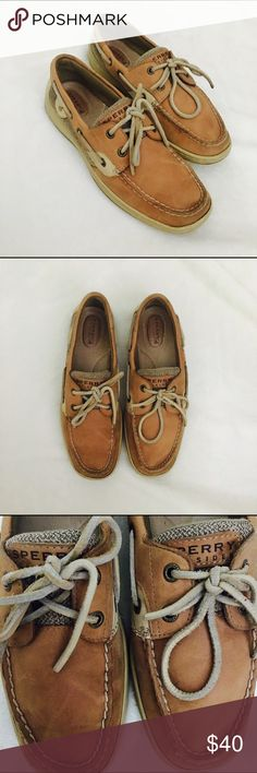 Women's Sperry Top Sider Shoes -Women's Sperry Top Sider - Tan Size 7.5 -Lightly used, a few scuffs and a slight wear. Nothing noticeable! -So comfortable, look great! Sperry Shoes
