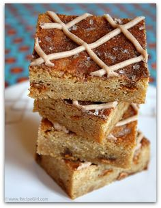 <3 Anything Snickerdoodle!!  Snickerdoodle blondies.