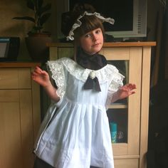 Look what I made! For my 5 yr old daughter, it's to celebrate the centenary at school! Edwardian school girl! X