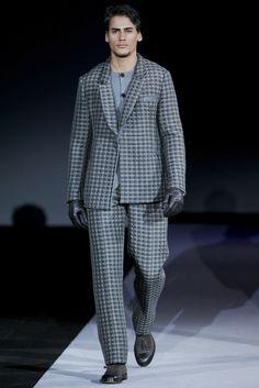 Giorgio Armani - Men Fashion Fall Winter - Shows - Vogue. Armani Men, Giorgio Armani, Fashion Show, Mens Fashion, Fashion Fall, Fall Winter, Suit Jacket, Menswear, Vogue