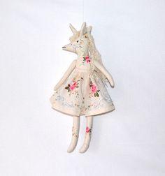 Künstlerpuppe,Einhorn,Stoffpuppe,Puppe,rag doll von pipinja auf DaWanda.com