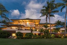 Frank Lloyd Wright, Organic Architecture, School Architecture, Hawaii Homes, Patio Interior, Mansions For Sale, Waterfront Property, Luxury Real Estate, Luxury Life