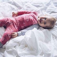 ARVONTA. Ollaan viime aikoina saatu pukea meidän Selmuri kivoihin ja laadukkaisiin @bredenkids luomupuuvillaisiin vaatteisiin jotka ommellaan ihan tuossa lahden takana Virossa. Nyt mulla on mahdollisuus arpoa myös teidän seuraajieni kesken yksi 70 euron lahjakortti heidän lastenvaatteisiin.  1. Klikkaa seurantaan @breden_kids ja @hillasblog 2. Sano kommenttiboksissa hep ja tägää mukaan yksi kaverisi jota voisi kiinnostaa arvonta.  Kilpailu alkaa nyt ja osallistumisaikaa on sunnuntaihin…