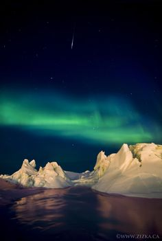 Frobisher Bay Cosmic Show by Paul Zizka.  Nunavut, Canada.  http://500px.com/photo/684469