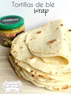 A simple recipe and very economical. Then make yourself the tortillas, the fajitas …. the wrap! I will soon be offering you a salmon wrap recipe and chicken tortillas and why Bourritos. Original ideas for eating between … Chapati, Mexican Food Recipes, Healthy Recipes, Ethnic Recipes, Tapas, Kebab, Paninis, Tortilla Wraps, Ramadan Recipes
