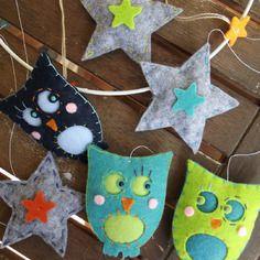 Sur commande : mobile de chouettes hiboux et étoiles en feutrine pour chambre de bébé, fait-main *livraison offerte*