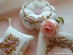 Lavanda e Lillà: Set Cucito con Rose