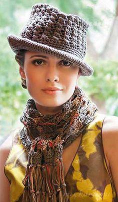 Вязаный шарфик и шляпка крючком