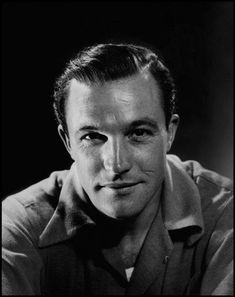 Gene Kelly - M-G-M was the largest and most powerful studio in Hollywood when Gene Kelly arrived in town in He came direct from the hit 1940 original Broadway production of Pal Joey and planned to return to the Broadway stage after making the Hollywood Stars, Golden Age Of Hollywood, Vintage Hollywood, Classic Hollywood, Hollywood Cinema, Gene Kelly, Fred Astaire, Classic Movie Stars, Classic Movies