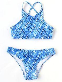 Shop Blue Printed Cross Back Bikini Set online. SheIn offers Blue Printed Cross Back Bikini Set & more to fit your fashionable needs. Cute Swimsuits, Cute Bikinis, Blue Bikini, Bikini Set, Nylons, Spandex, Cute Bathing Suits, Beachwear For Women, Beachwear 2018