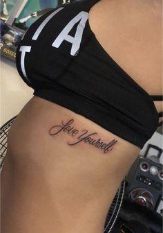 Tatouages et piercings Girly Tattoos, Badass Tattoos, Pretty Tattoos, Foot Tattoos, Sexy Tattoos, Cute Tattoos, Beautiful Tattoos, Body Art Tattoos, Sleeve Tattoos