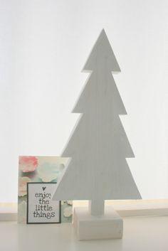 Steigerhouten kerstboom in whitewash gebeitst. Enorm sfeervol voor de gezelligste periode van het jaar!